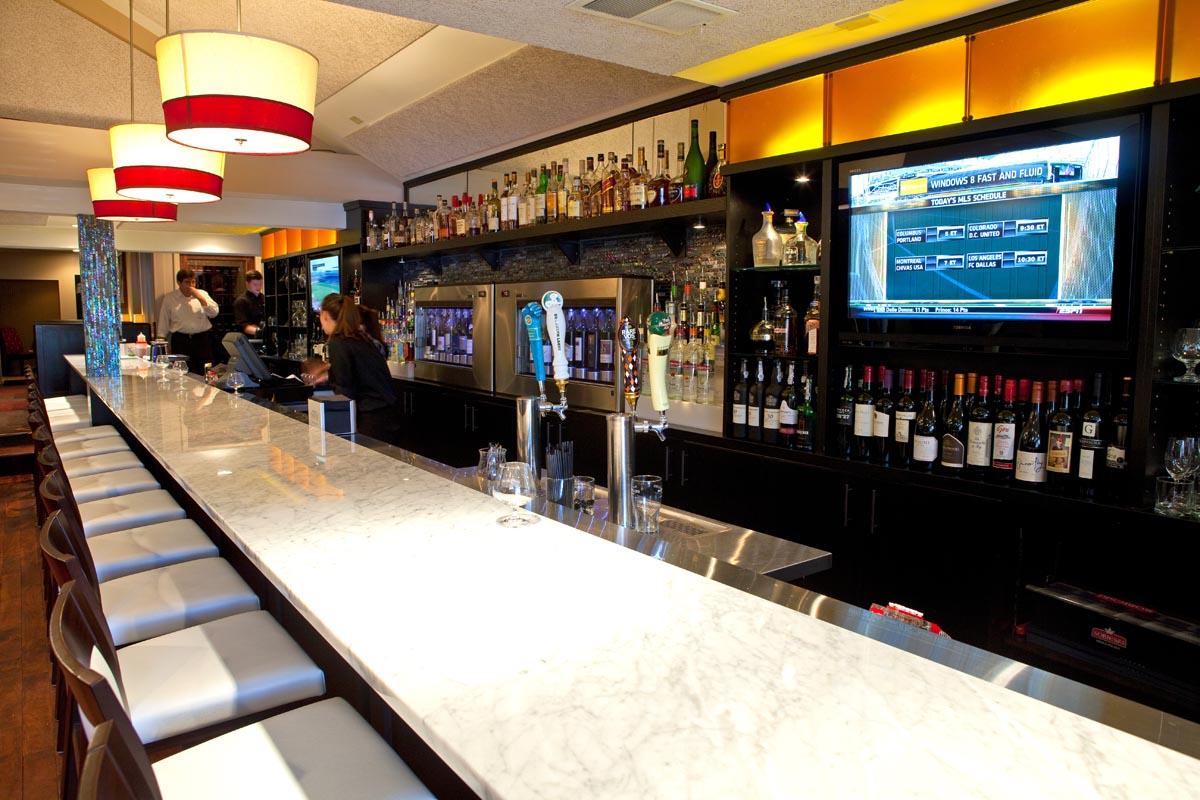Tucci's bar